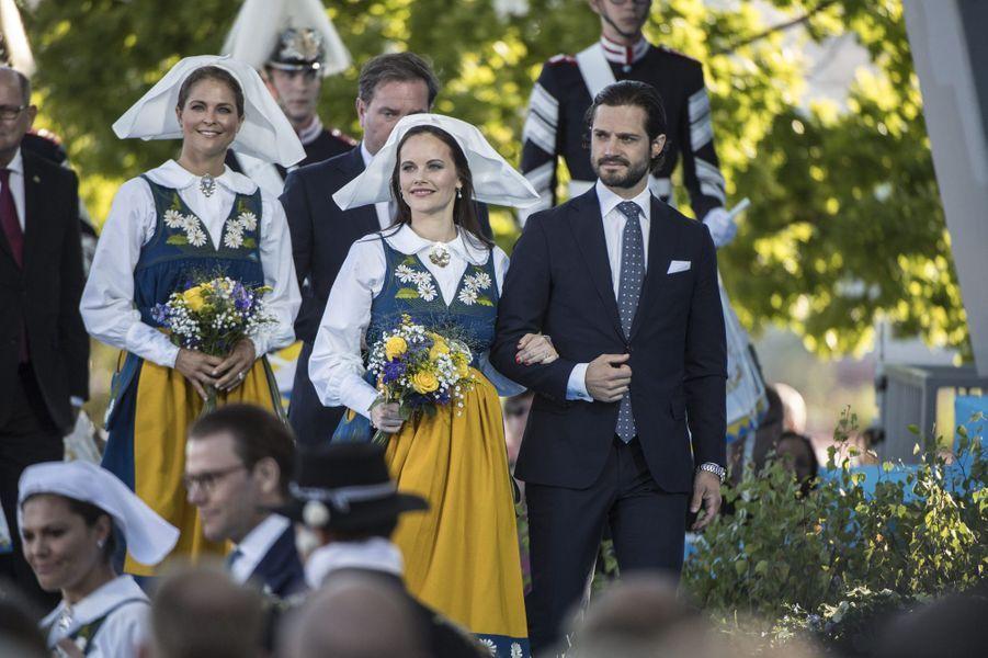 Le prince Carl Philip de Suède et les princesses Sofia et Madeleine à Stockholm, le 6 juin 2017