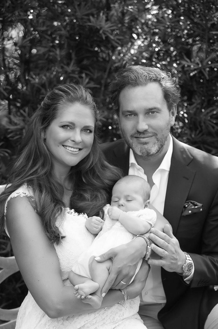 La princesse Madeleine de Suède et Chris O'Neill avec leur fille la princesse Leonore en 2014