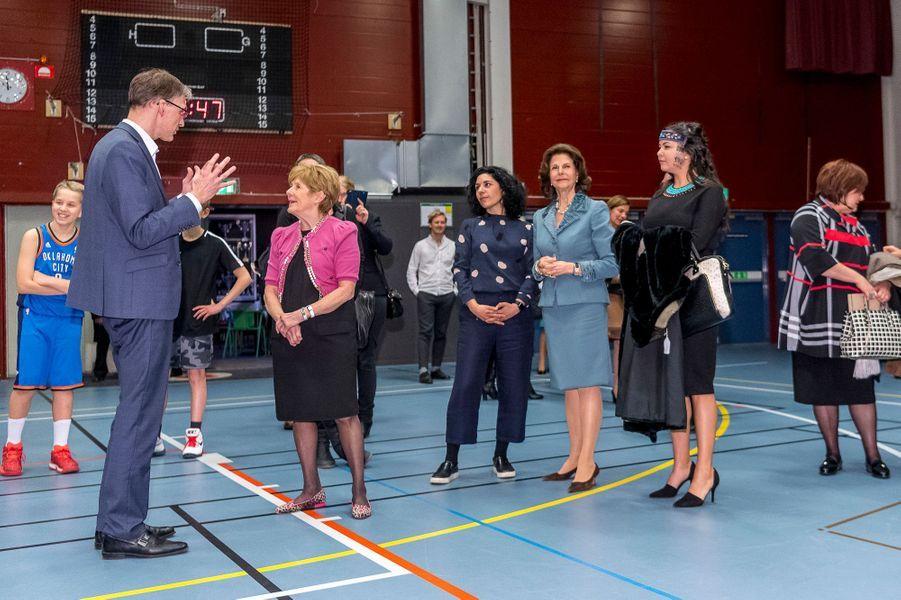 La reine Silvia de Suède avec Sharon Johnston à Stockholm, le 20 février 2017