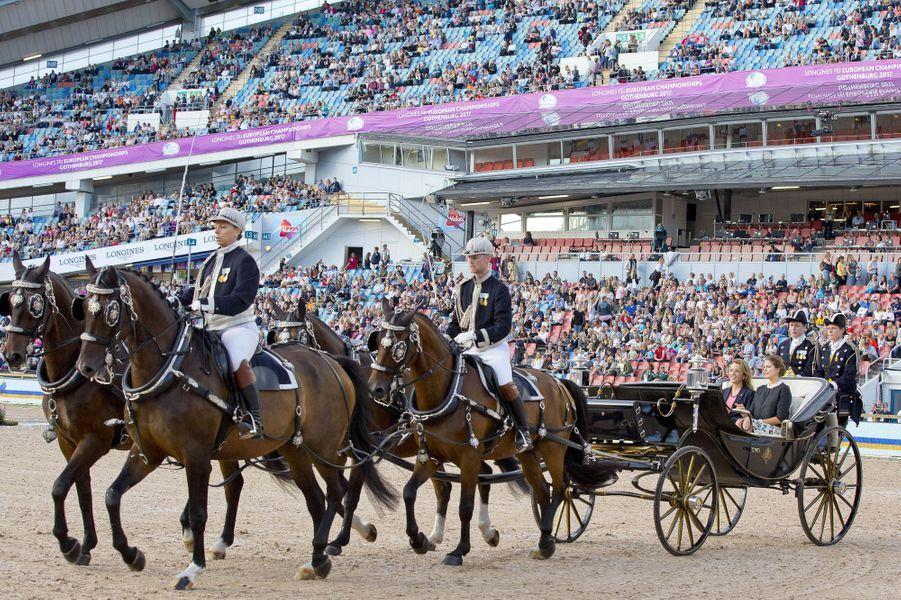 La princesse Madeleine de Suède en landau dans le stade Ullevi à Göteborg, le 21 août 2017