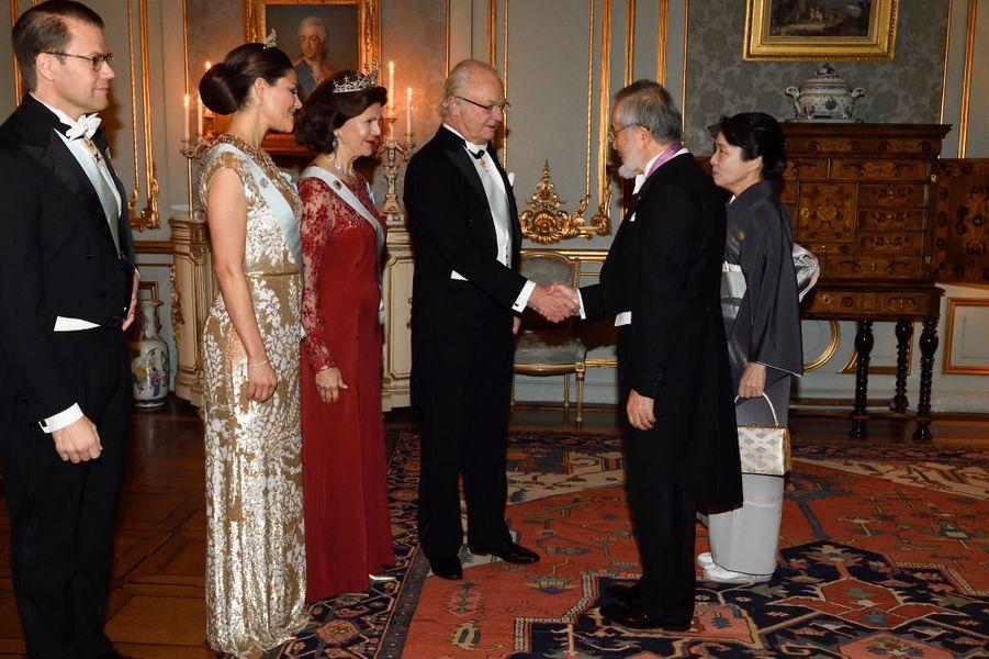 La famille royale de Suède reçoit les prix Nobel 2016 au Palais royal à Stockholm, le 11 décembre 2016
