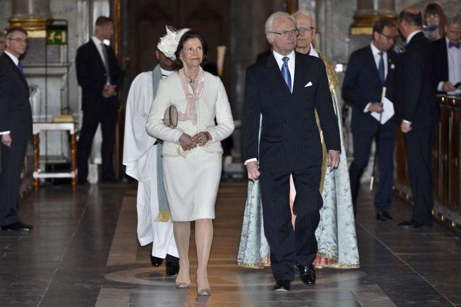 La reine Silvia et le roi Carl XVI Gustaf de Suède dans la Chapelle royale de Stockholm, le 17 mai 2015