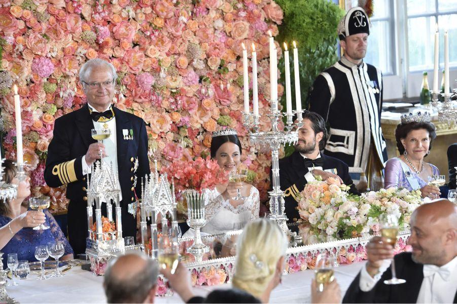 Discours du roi Carl XVI Gustaf, lors du dîner de mariage de la princesse Sofia et du prince Carl Philip, le 13 juin 2015