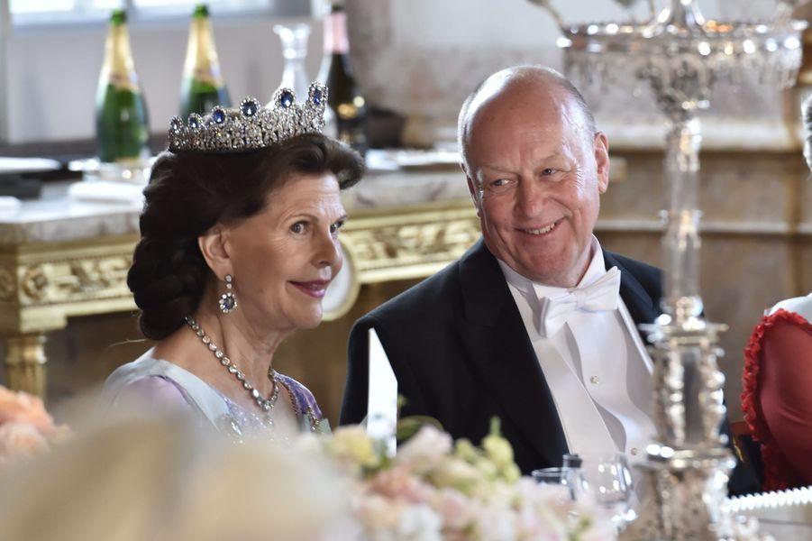 La reine Silvia de Suède et Erik Hellqvist, le père de Sofia, le 13 juin 2015