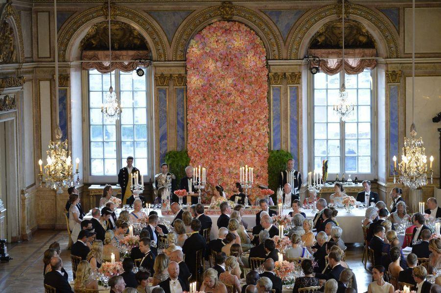 Le dîner de mariage du prince Carl Philip de Suède et de la princesse Sofia, le 13 juin 2015