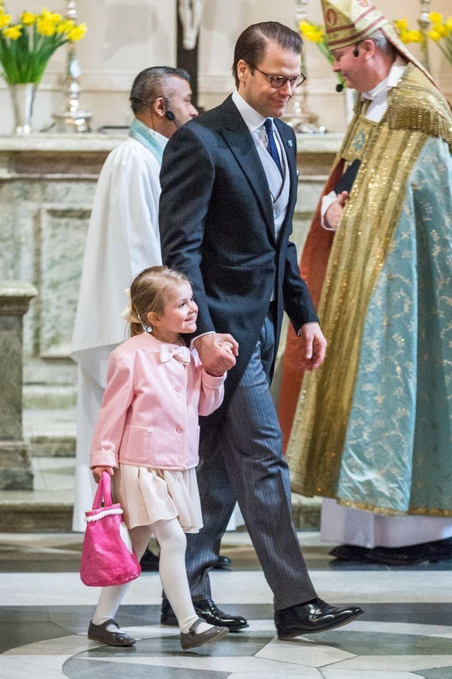 La princesse Estelle et le prince Daniel, lors de la cérémonie en la chapelle royale