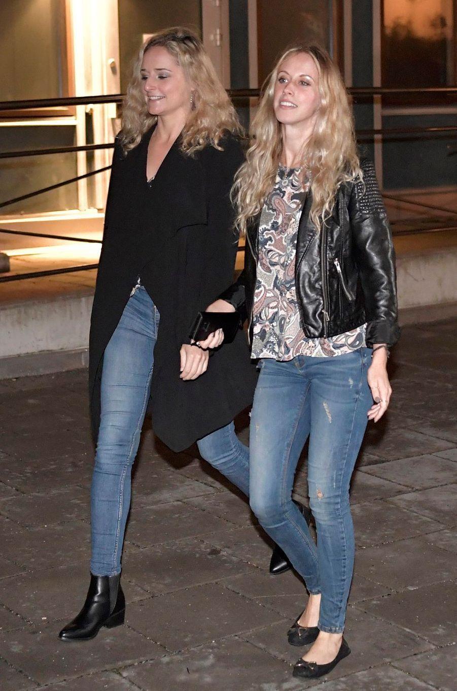 Lina Frejd et Sara Hellqvist, les soeurs de la princesse Sofia de Suède, à Stockholm, le 31 août 2017