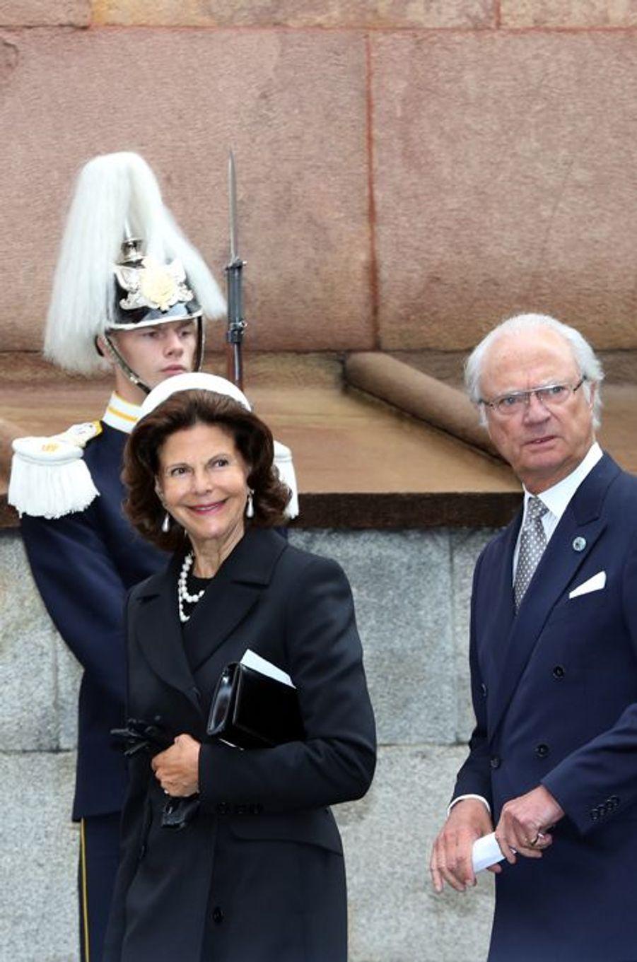 La reine Silvia et le roi Carl XVI Gustaf de Suède à Stockholm, le 15 septembre 2015