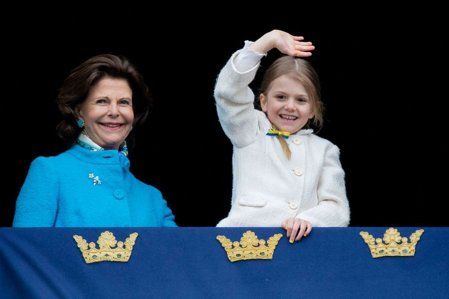 La reine Silvia et la princesse Estelle de Suède à Stockholm, le 30 avril 2018