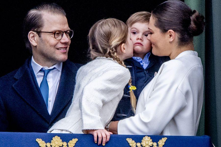 Les princesses Estelle et Victoria et les princes Daniel et Oscar de Suède à Stockholm, le 30 avril 2018