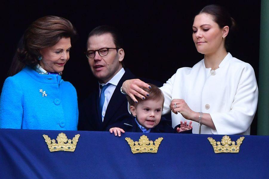 La reine Silvia, la princesse Victoria et les princes Daniel et Oscar de Suède à Stockholm, le 30 avril 2018