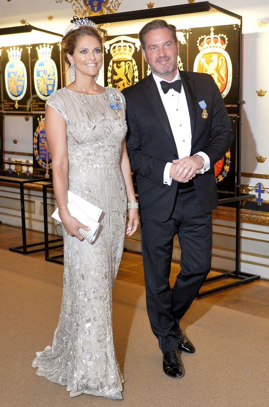 La princesse Madeleine de Suède dans une robe Elie Saab le 30 avril 2016