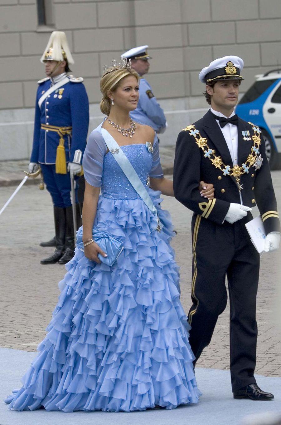 La princesse Madeleine de Suède dans une robe Linda Nurk le 19 juin 2010