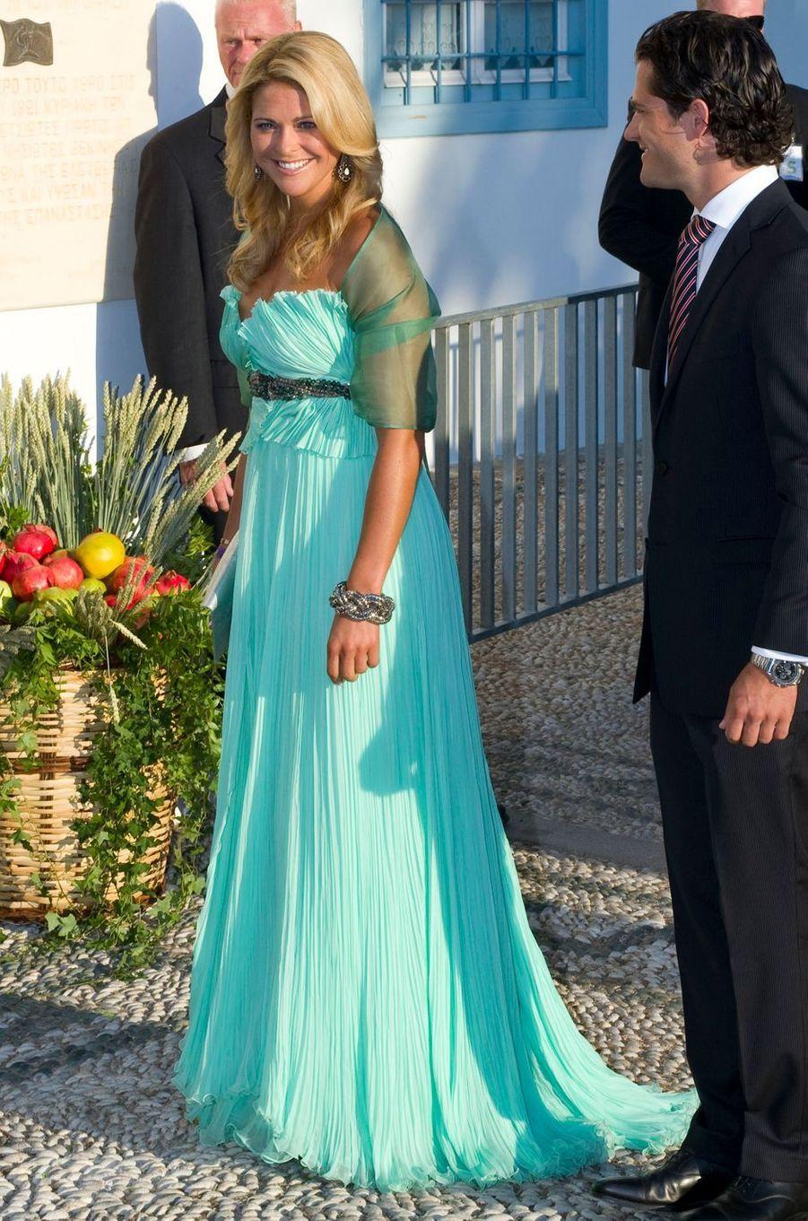La princesse Madeleine de Suède dans une robe Roberto Cavalli le 28 août 2010