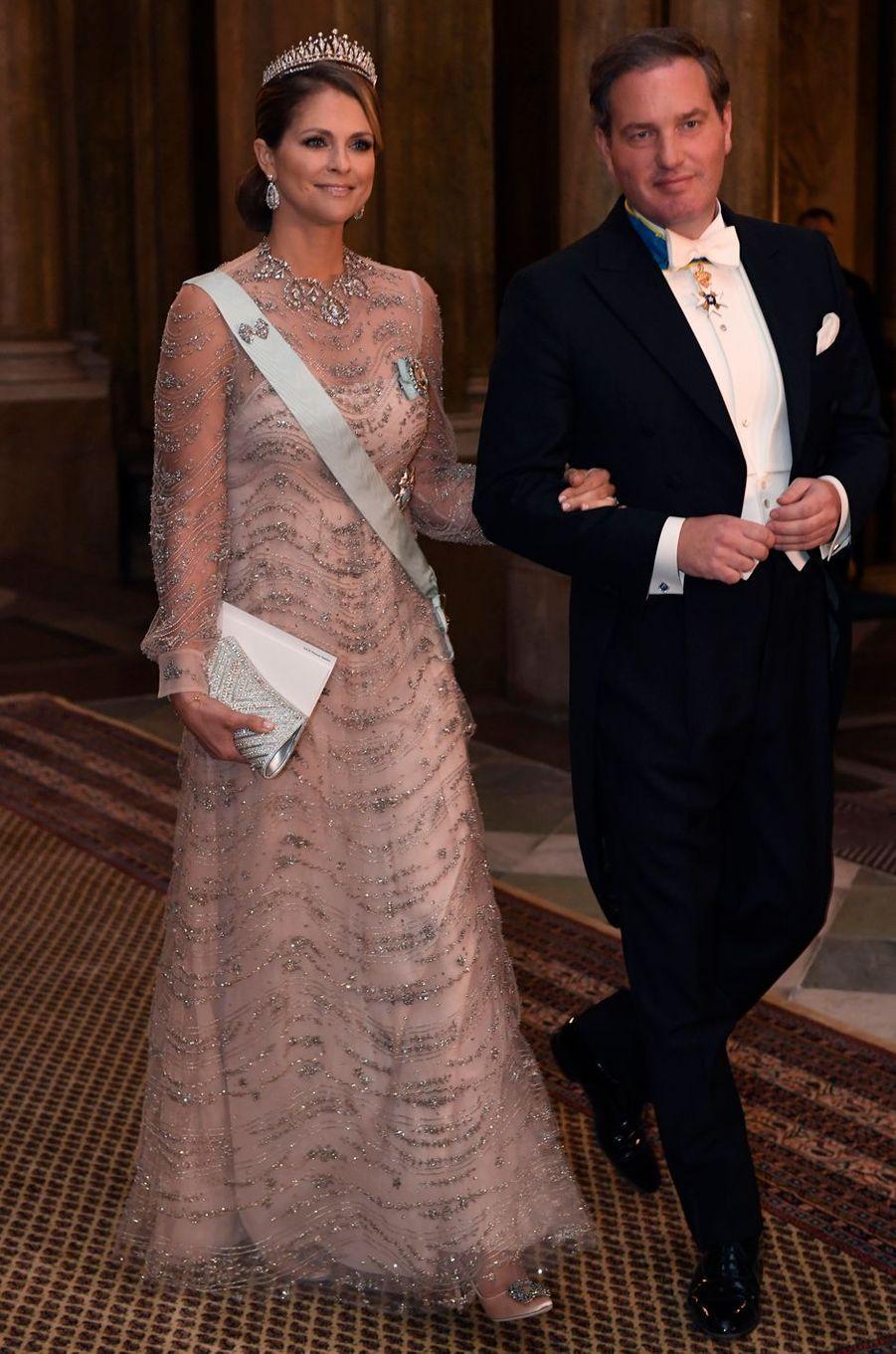 La princesse Madeleine de Suède dans une robe Valentino le 11 décembre 2016