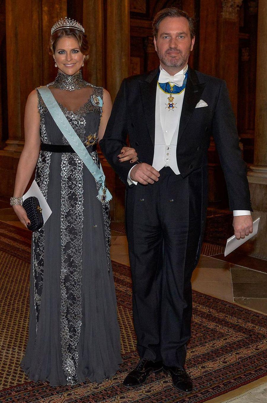 La princesse Madeleine de Suède dans une robe Alberta Ferretti le 11 décembre 2015