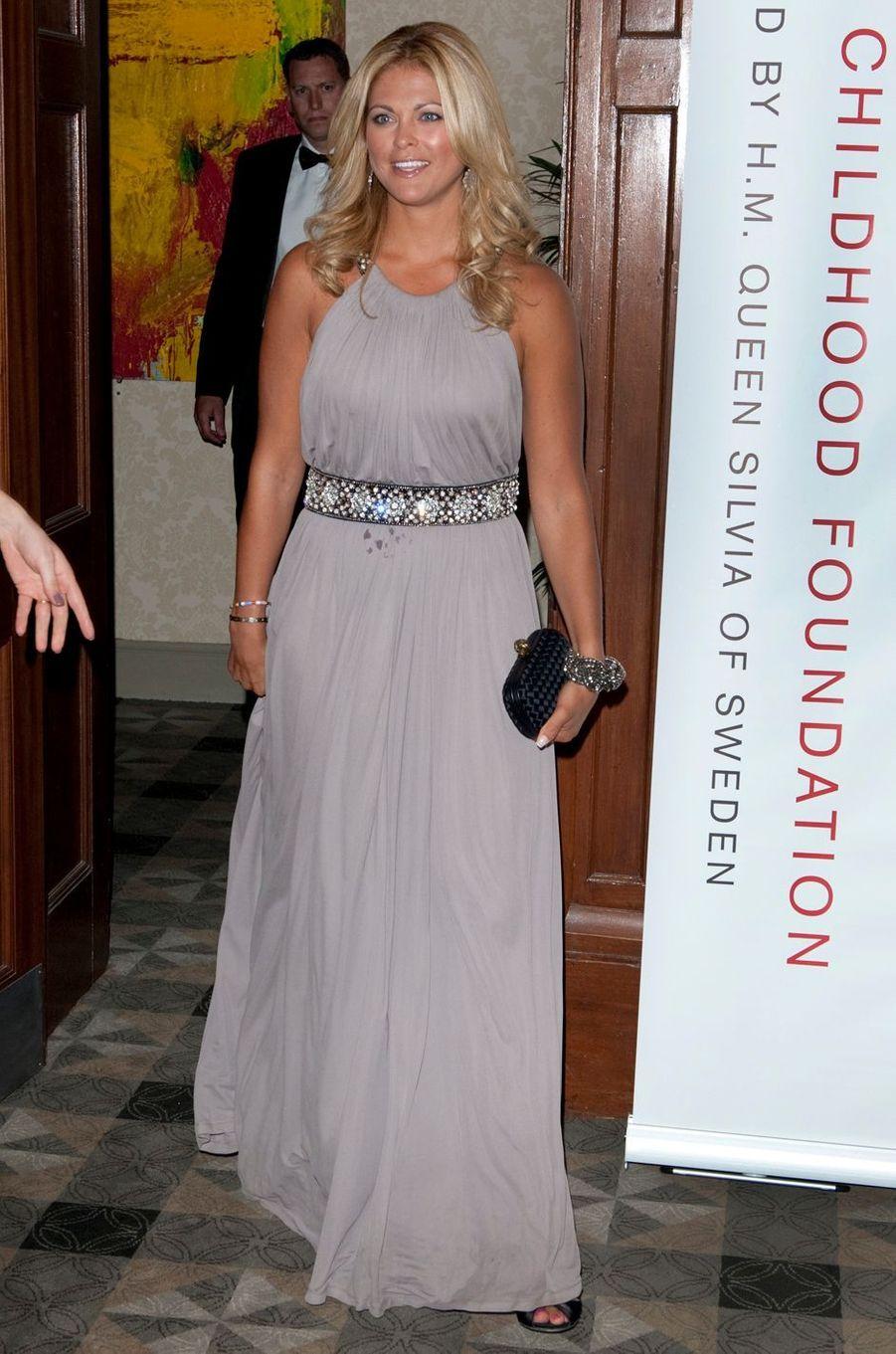 La princesse Madeleine de Suède dans une robe Amanda Wakeley le 30 juin 2010