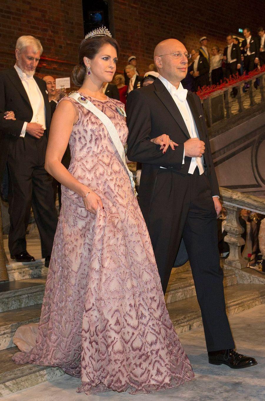 La princesse Madeleine de Suède dans une robe Fadi El Khoury le 10 décembre 2014