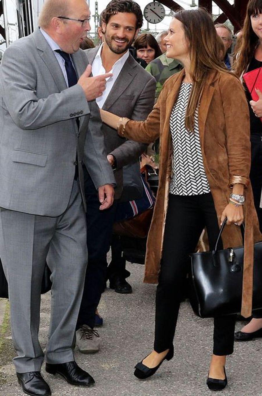 La princesse Sofia et le prince Carl Philip de Suède arrivent dans le Värmland, le 26 août 2015