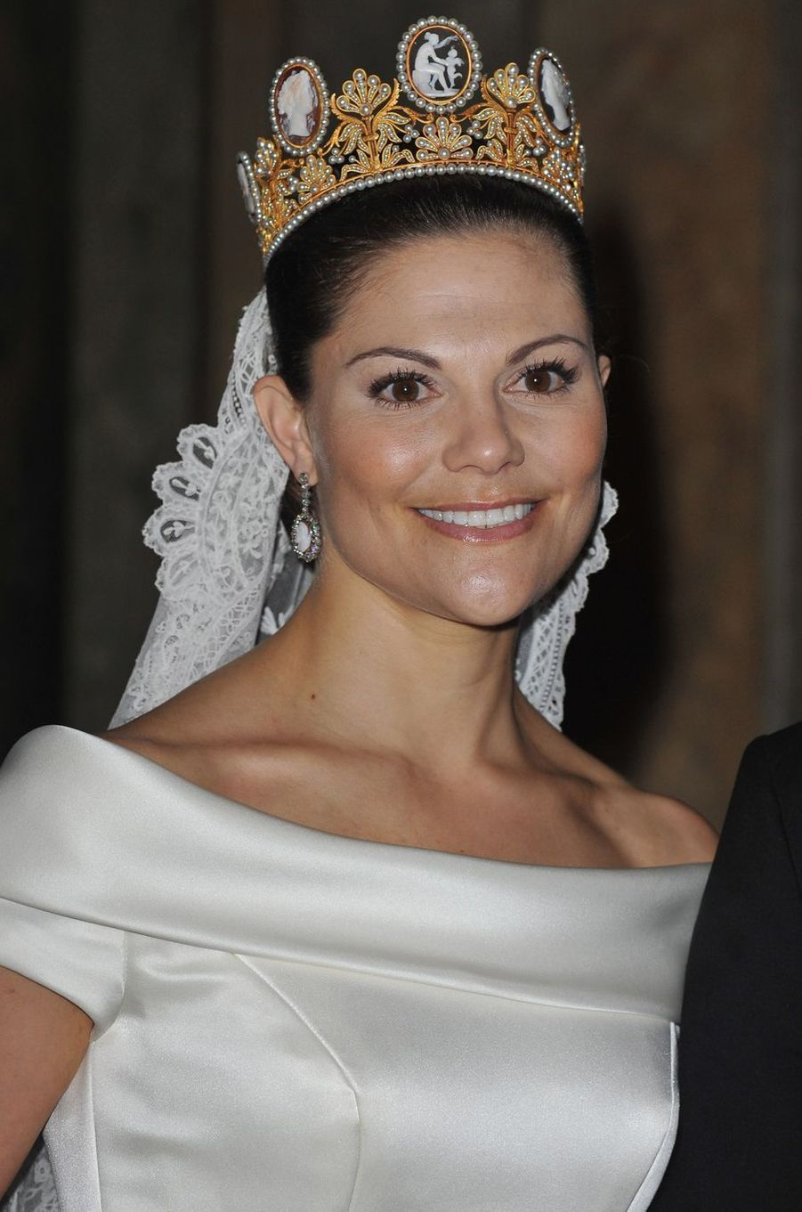 La princesse Victoria de Suède porte le diadème de Joséphine de Beauharnais pour son mariage, le 19 juin 2010