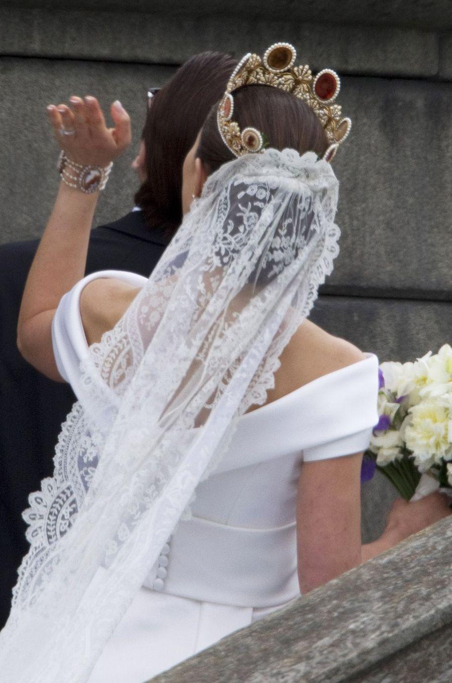 Le diadème de la princesse Victoria de Suède, vu de dos, le jour de son mariage le 19 juin 2010