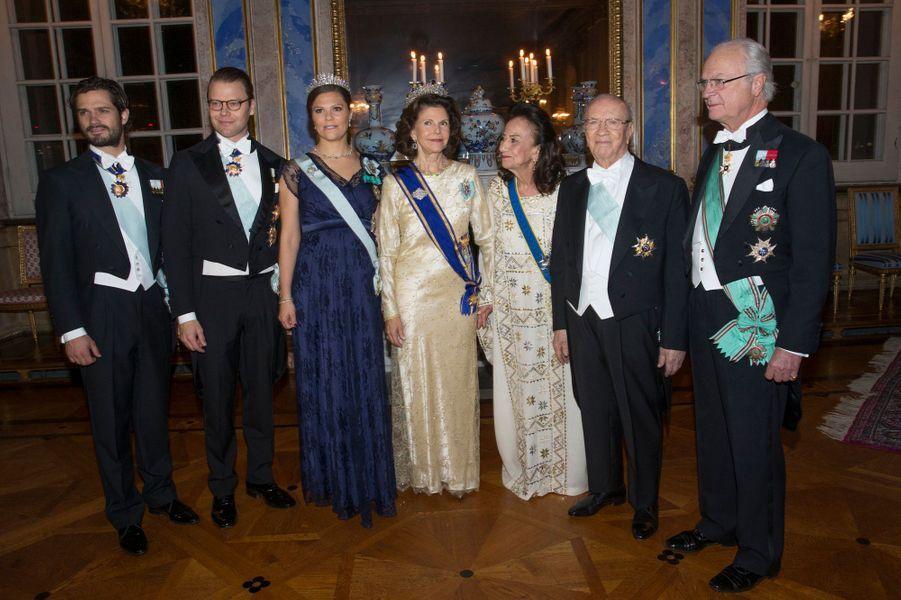 La famille royale de Suède avec Béji et Saida Caïd Essebsi à Stockholm, le 4 novembre 2015