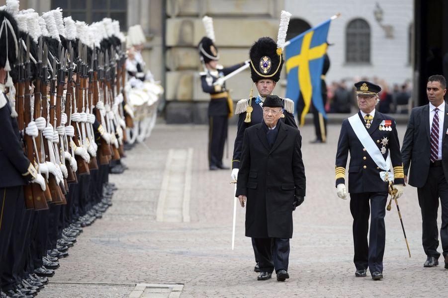 Le roi Carl XVI Gustaf de Suède avec le président tunisien Béji Caïd Essebsi à Stockholm, le 4 novembre 2015