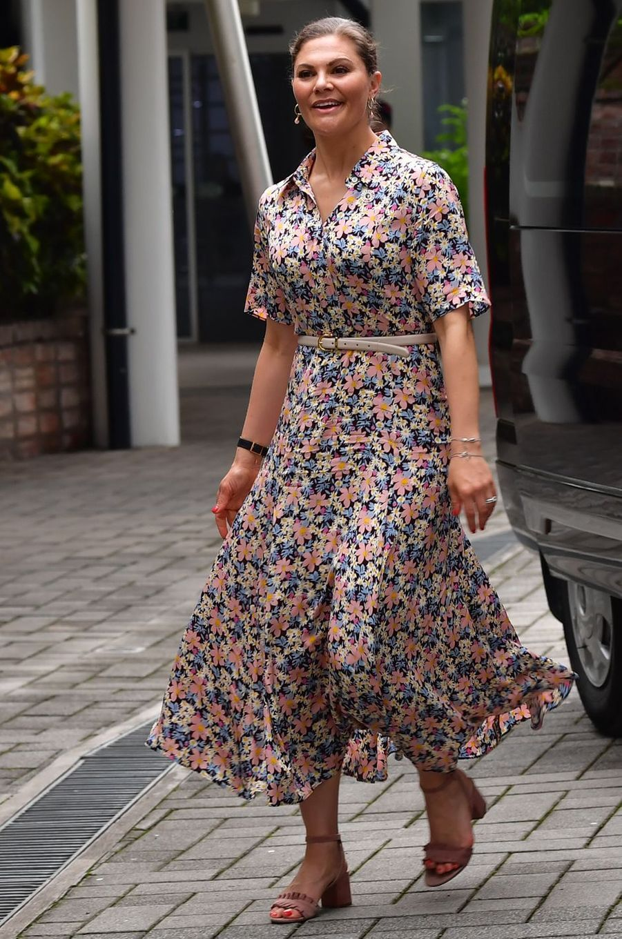 La princesse Victoria de Suède dans une robe Arket à Hanoi, le 7 mai 2019