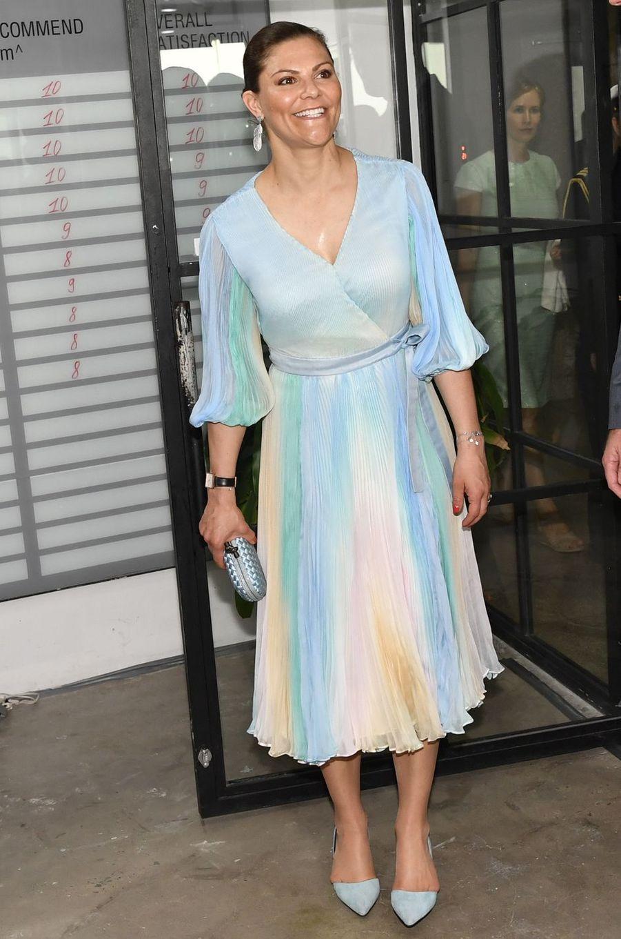 La princesse Victoria de Suède dans une robe Jennifer Blom à Hô Chi Minh-Ville, le 8 mai 2019