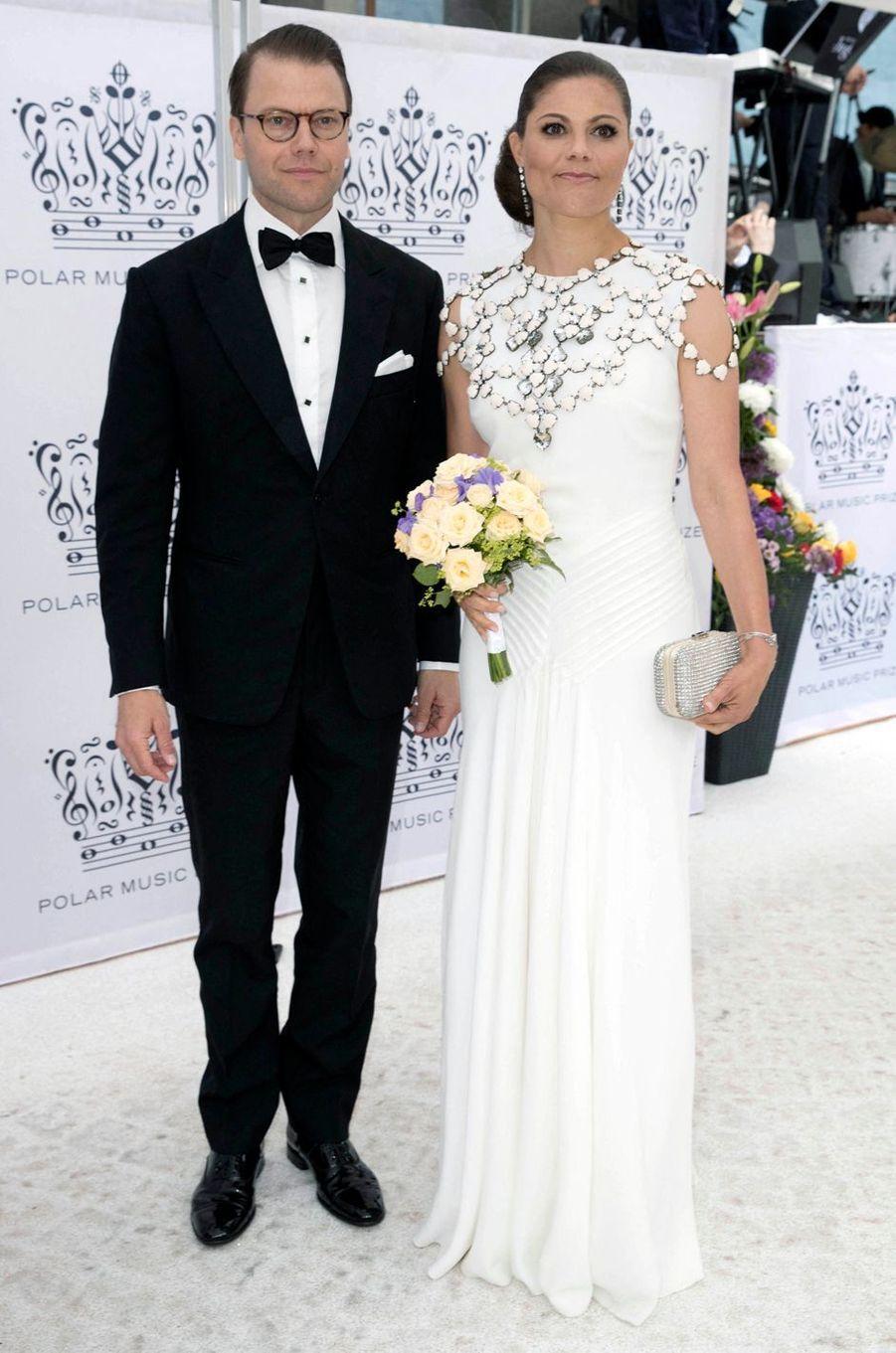 La princesse Victoria de Suède dans une robe Ralph Lauren et un collier H&M au Polar Music Prize, le 16 juin 2016