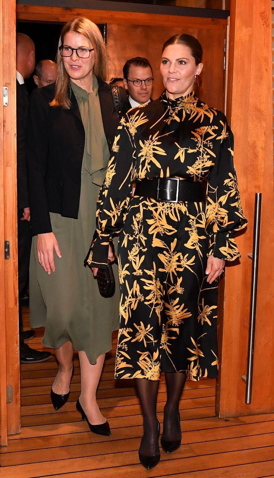 La princesse Victoria de Suède dans une robe House of Dagmar en Bosnie-Herzégovine, le 6 novembre 2019