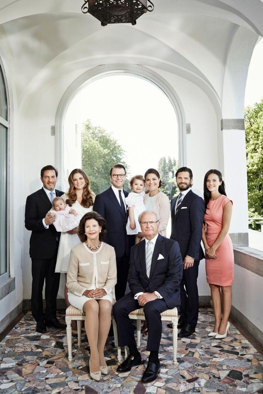 La famille royale de Suède, réunie pour une photo officielle en janvier 2015