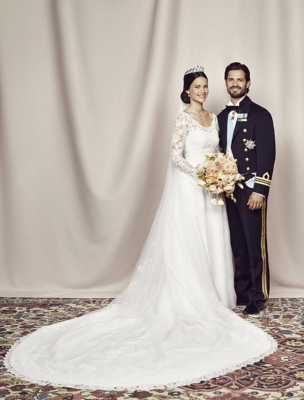La photo officielle du mariage du prince Carl Philip et de la princesse Sofia, le 13 juin 2015