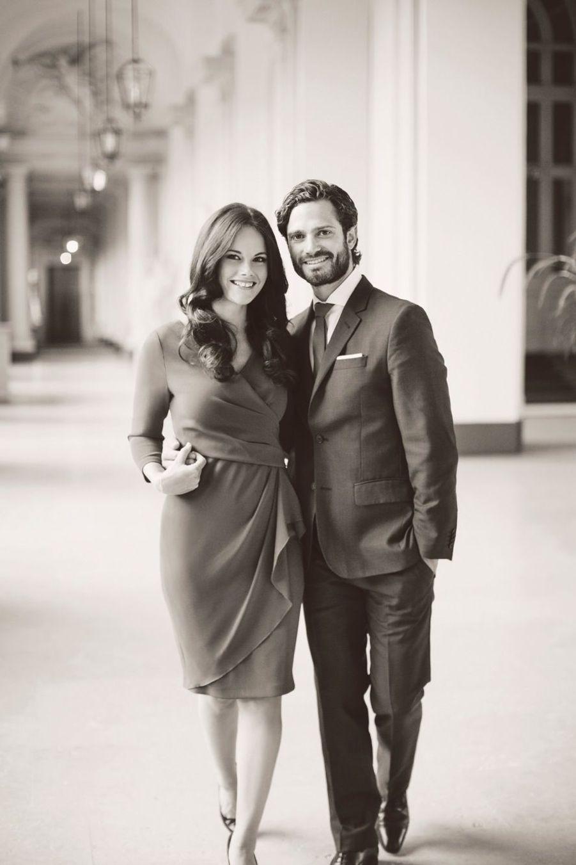 La photo officielle du prince Carl-Philip de Suède et de sa fiancée, Sofia Hellqvist.