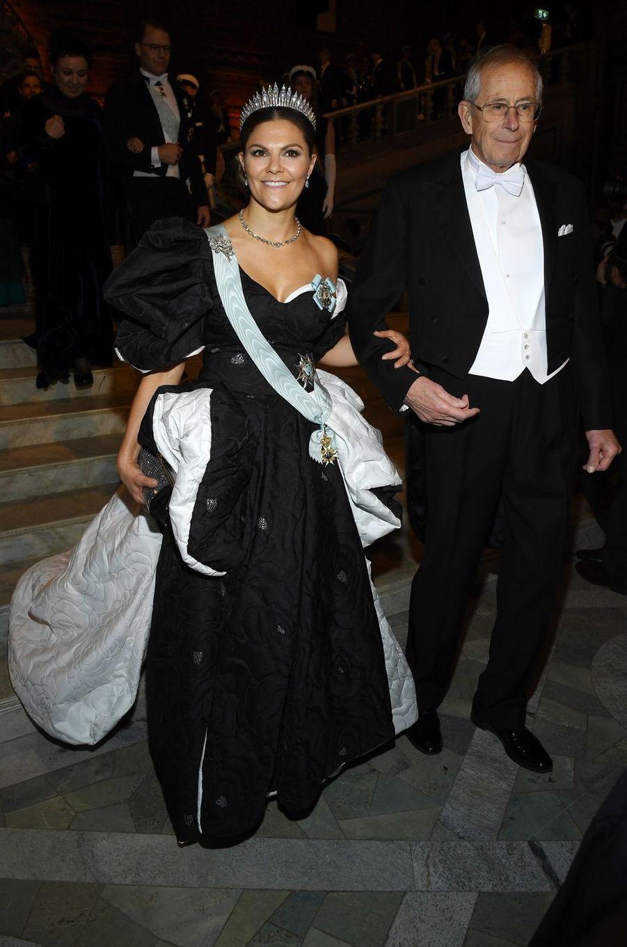 La princesse Victoria de Suède dans une robe de Selam Fessahaye, à Stockholm le 10 décembre 2019