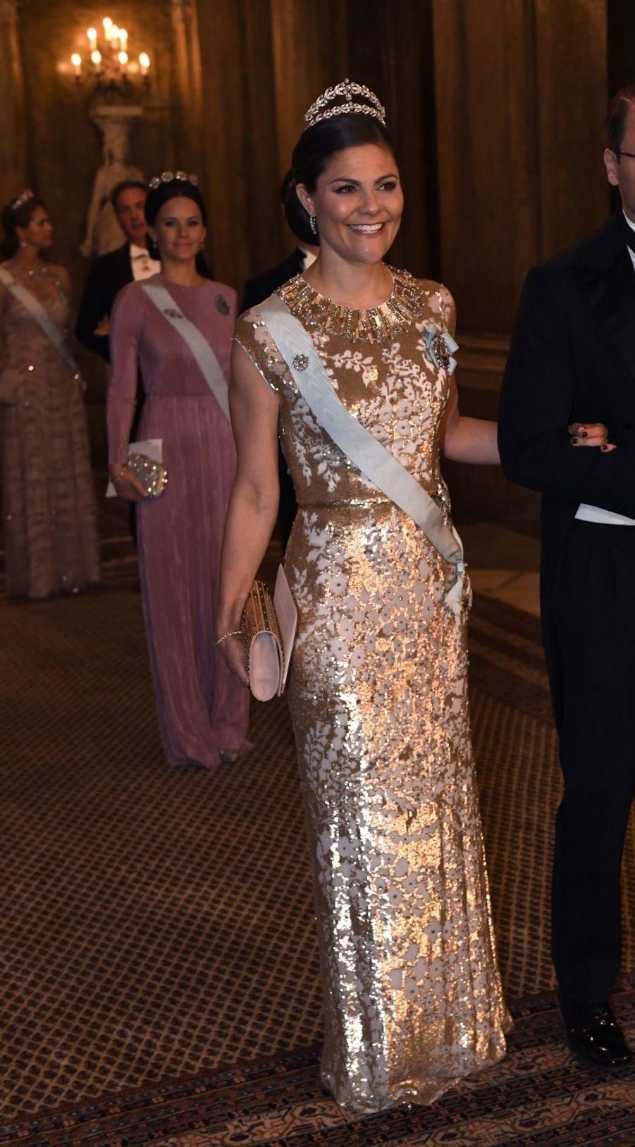 La princesse Victoria de Suède dans une robe Jenny Packham, le 11 décembre 2016