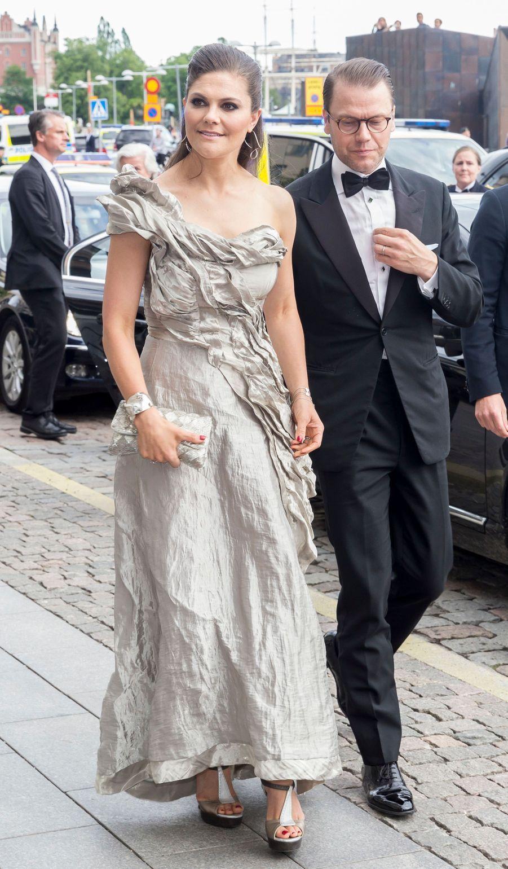 La princesse Victoria de Suède dans une robe Diana Orving, le 16 juin 2017