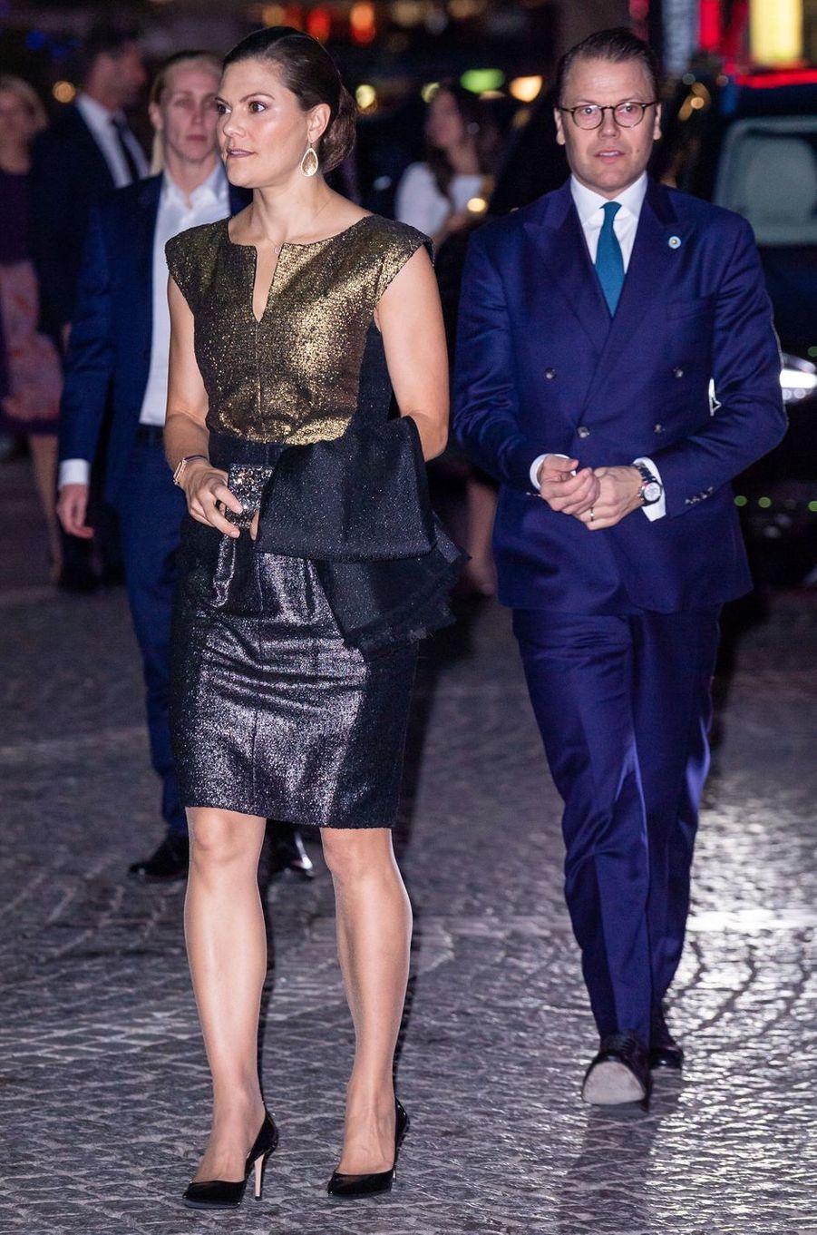 La princesse Victoria de Suède dans une robe Escada, le 25 septembre 2018