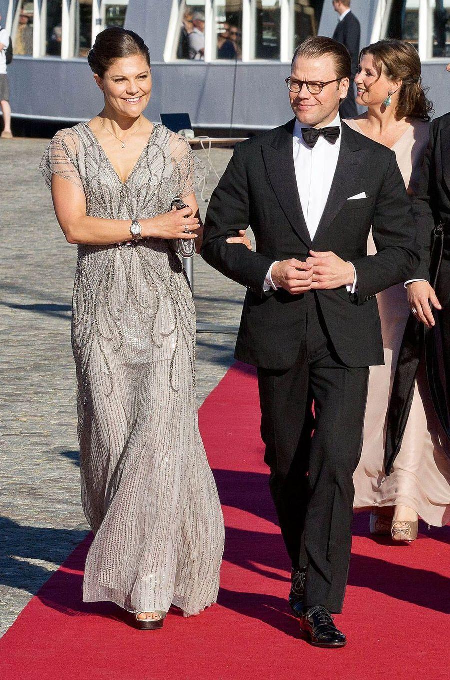 La princesse Victoria de Suède dans une robe Jenny Packham, le 12 juin 2015