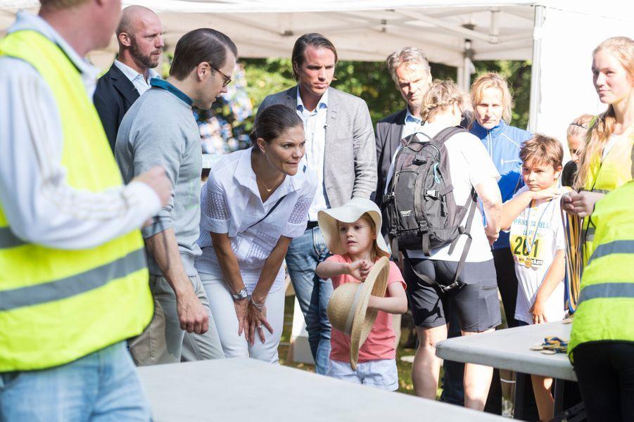 La princesse Victoria de Suède et le prince Daniel avec leur fille la princesse Estelle à Solna, le 11 septembre 2016