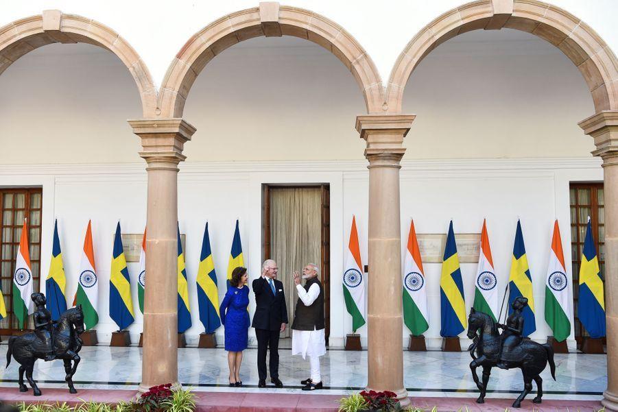 La reine Silvia et le roi Carl XVI Gustaf de Suède avec le Premier ministre indien à New Delhi, le 2 décembre 2019