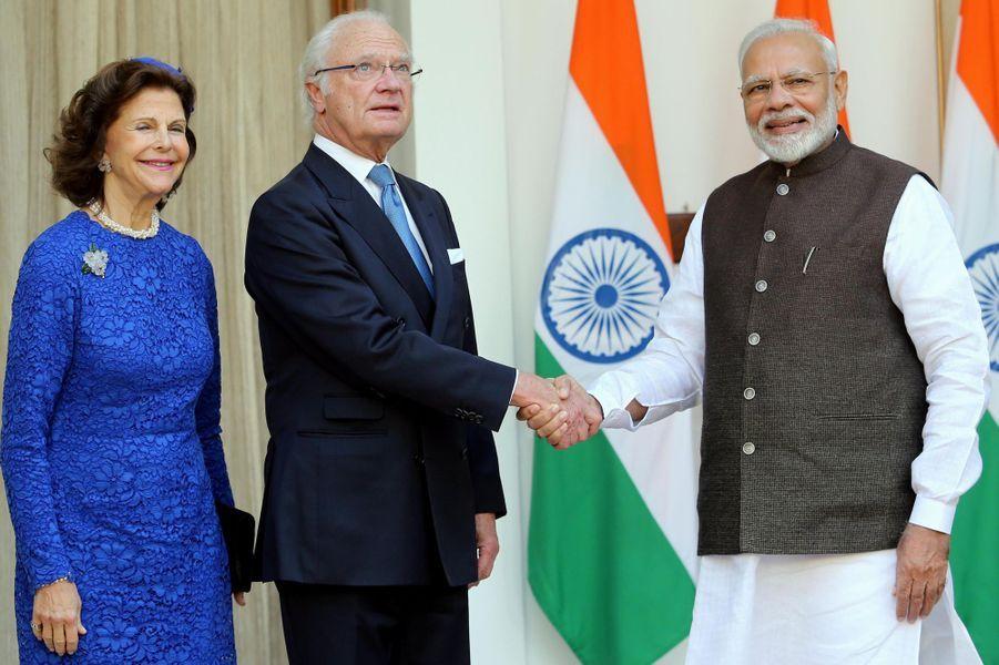 La reine Silvia et le roi Carl XVI Gustaf de Suède avec le Premier ministre indien, le 2 décembre 2019 à New Delhi
