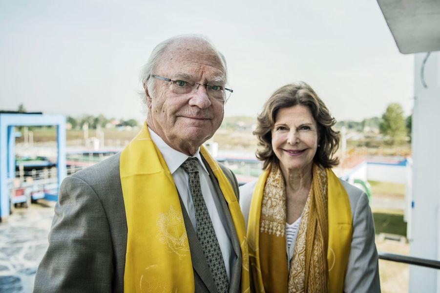 La reine Silvia et le roi Carl XVI Gustaf de Suède à Haridwar, le 5 décembre 2019