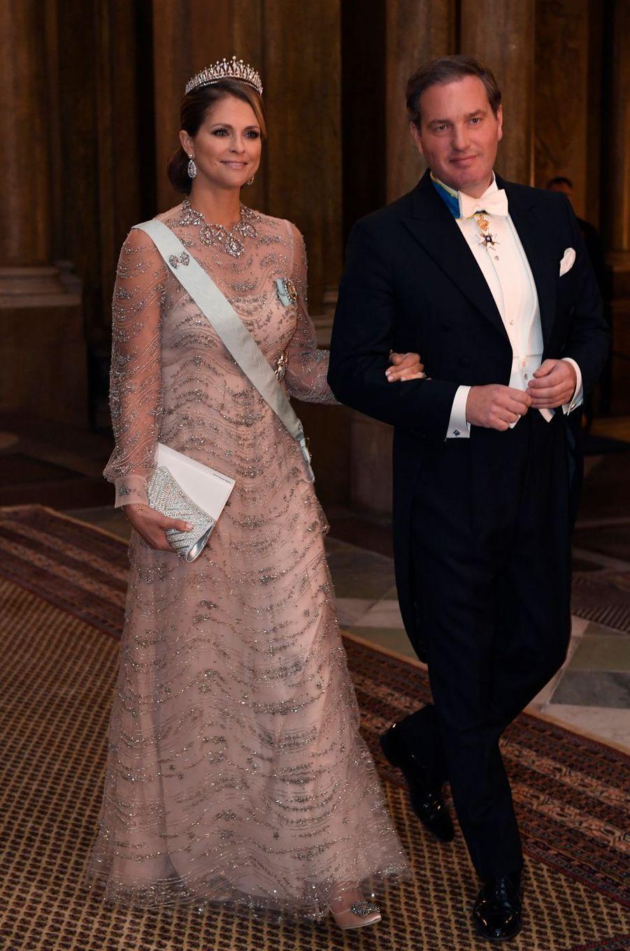 La princesse Madeleine de Suède en Valentino à Stockholm, le 11 décembre 2016
