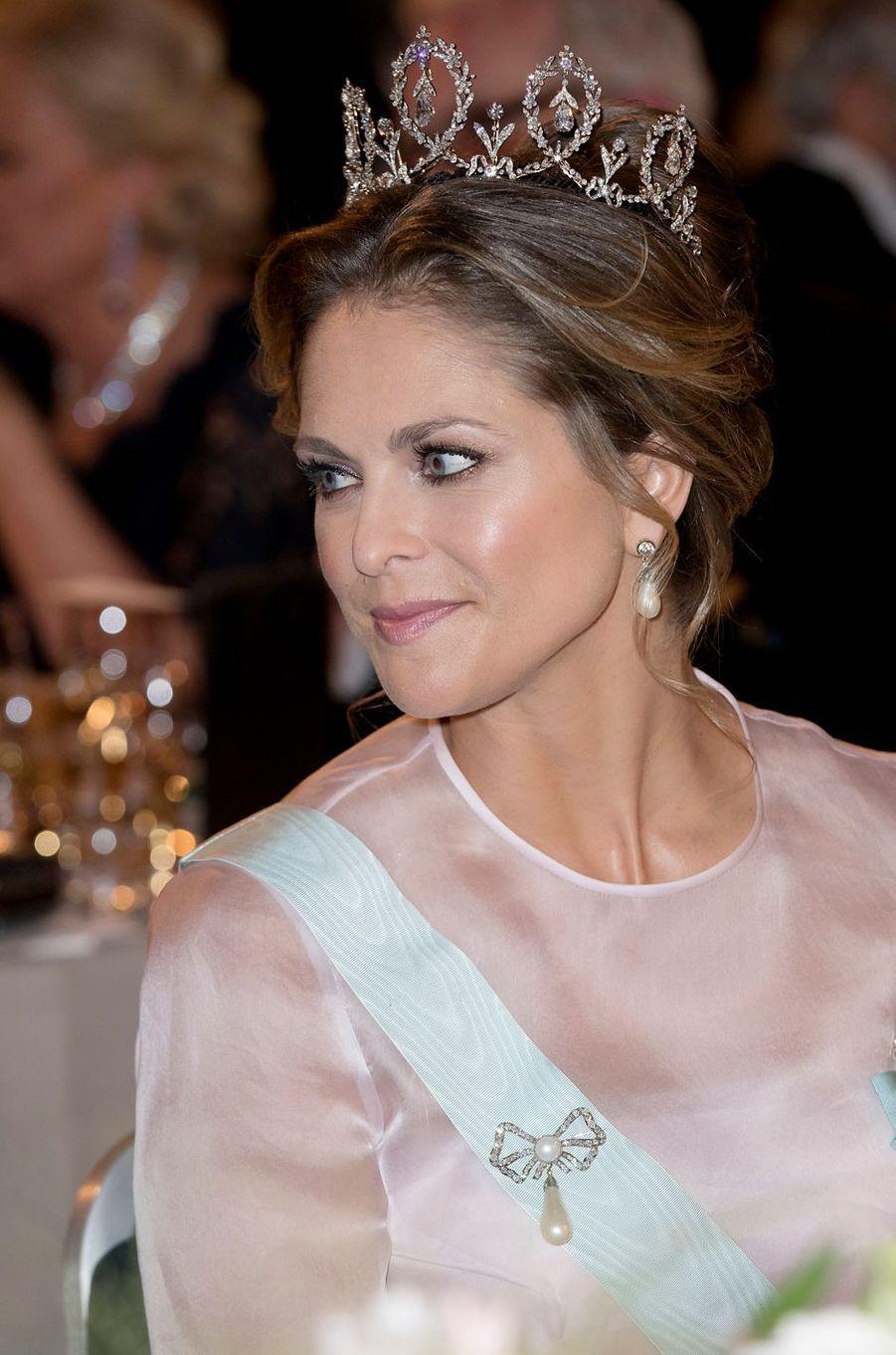 La princesse Madeleine de Suède porte la Connaught Diamond Tiara à Stockholm, le 10 décembre 2016