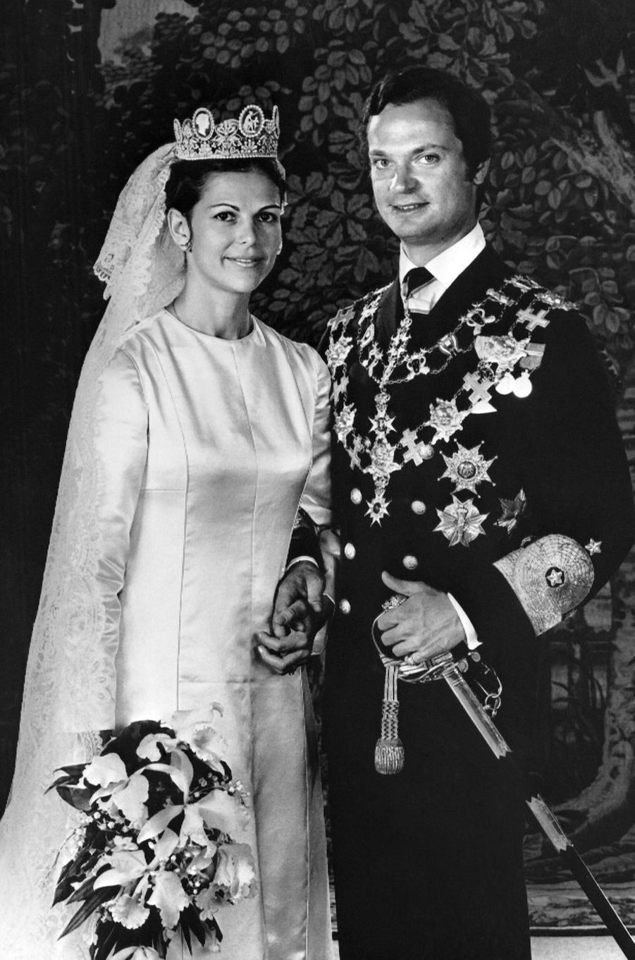 La reine Silvia de Suède, avec le roi Carl XVI Gustaf, le jour de son mariage le 19 juin 1976