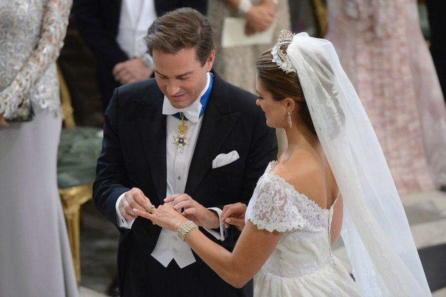 La princesse Madeleine de Suède, avec Christopher O'Neill, le jour de son mariage le 8 juin 2013