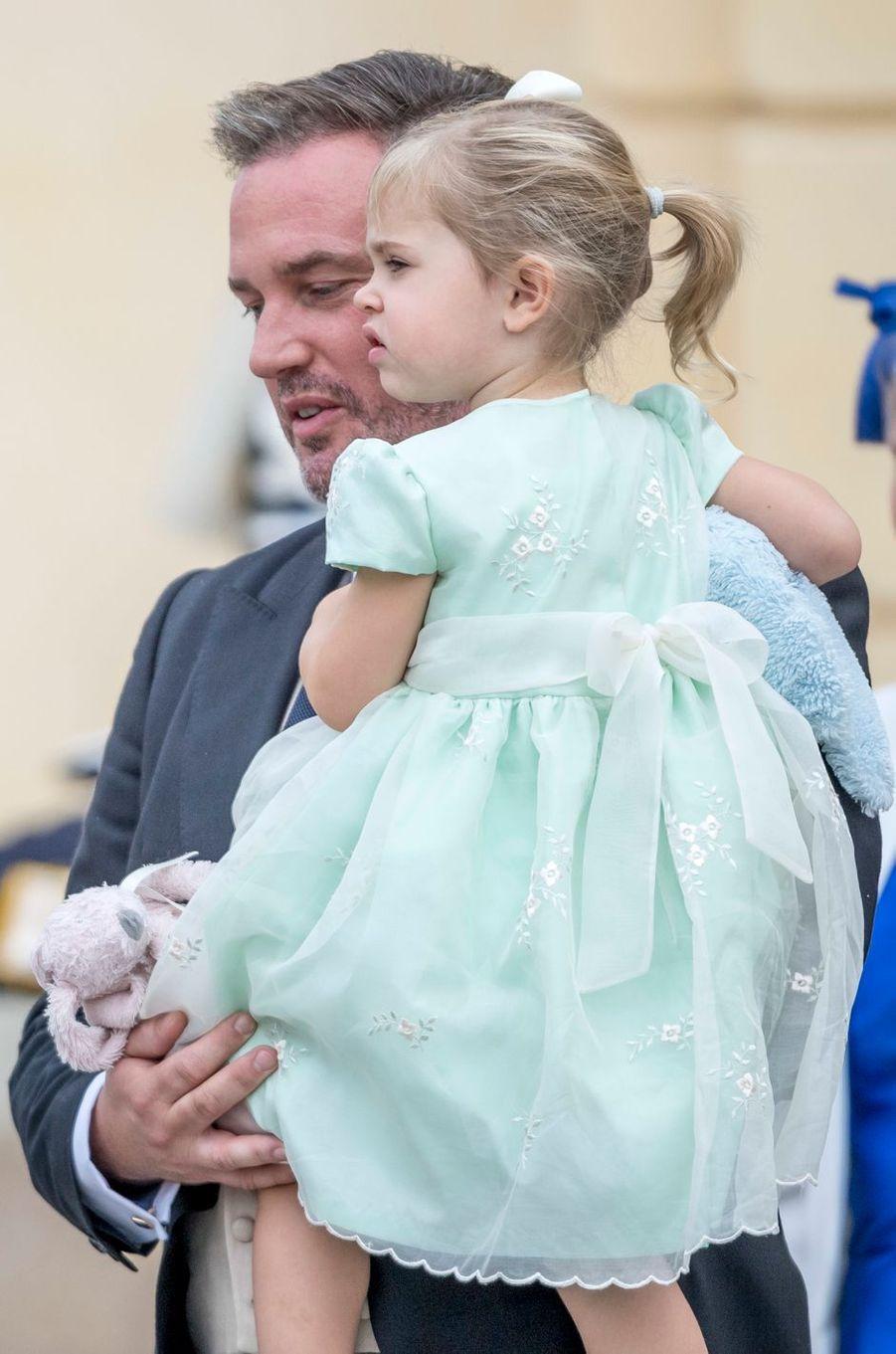La princesse Leonore de Suède avec son père Christopher O'Neill à Stockholm, le 9 septembre 2016