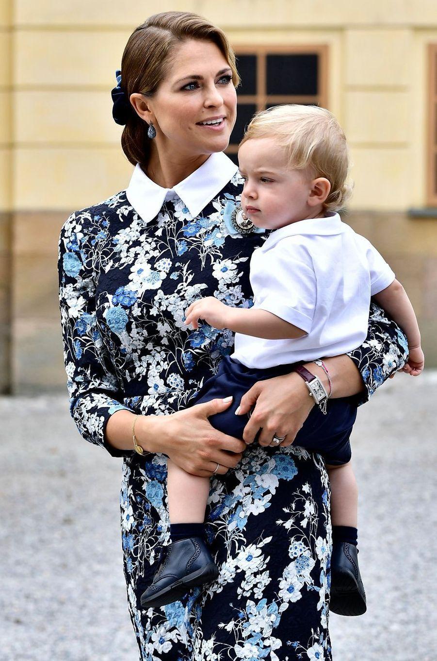 La princesse Madeleine de Suède avec son fils le prince Nicolas à Stockholm, le 9 septembre 2016