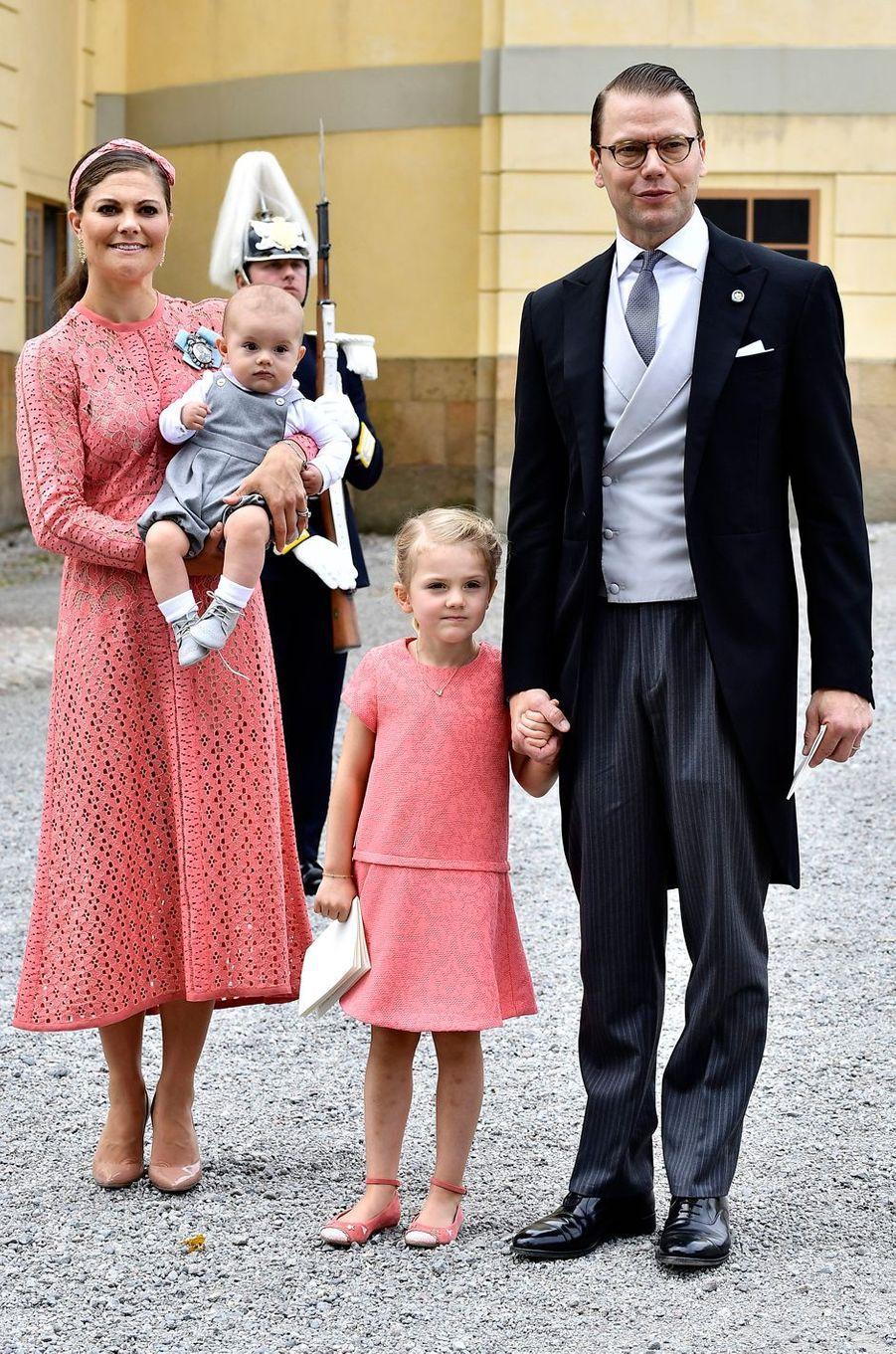 Les princesses Victoria et Estelle de Suède avec les princes Daniel et Oscar à Stockholm, le 9 septembre 2016